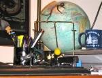 Cluttered desk = cluttered mind?