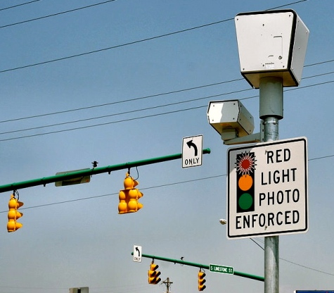 Red light cameras (2006. Public domain. D. Jensen:commons.wikimedia.org)