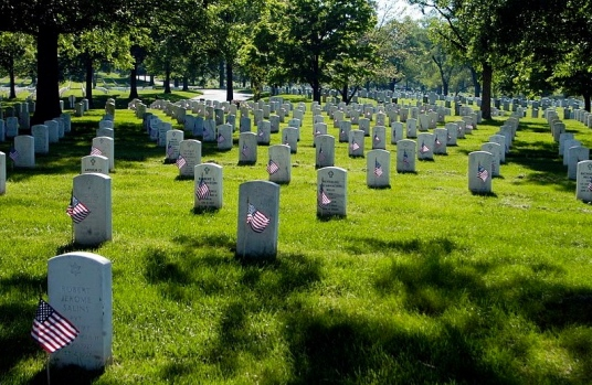 Arlington National Cemetery. (Public domain image. commons.wikimedia.org)