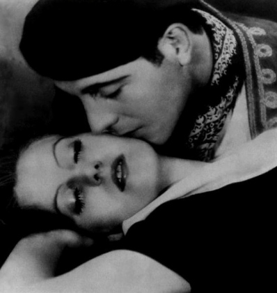 They wish to be alone. (Image: 1926 publicity media photo of Garbo and Cortez. Public domain. expired copyright not renewed / commons.wikimedia.org)