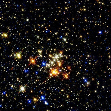 Quintuplet Cluster by NASA/Don Figer/STSci (Public domain: NASA Hubble./ commons.wikimedia.org)