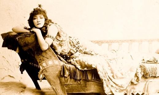 Sarah Bernhardt by Sarony, 1891 (Public domain:expired copyright:commons.wikimedia.org)