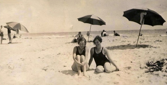 (1929 Bermuda Beach.Inherited photo/ Commons.wikimedia.org)