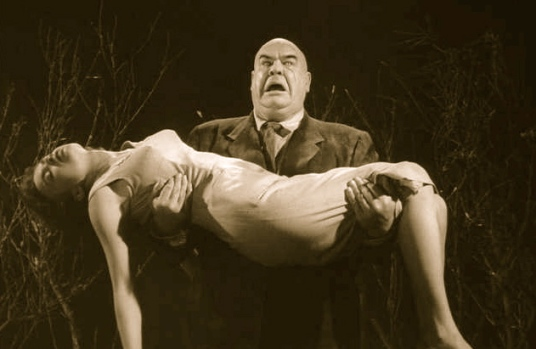 Vintage horror film couple: Plan 9 From Outer Space/US PD:pub.date/Commons.wikimedia.org)
