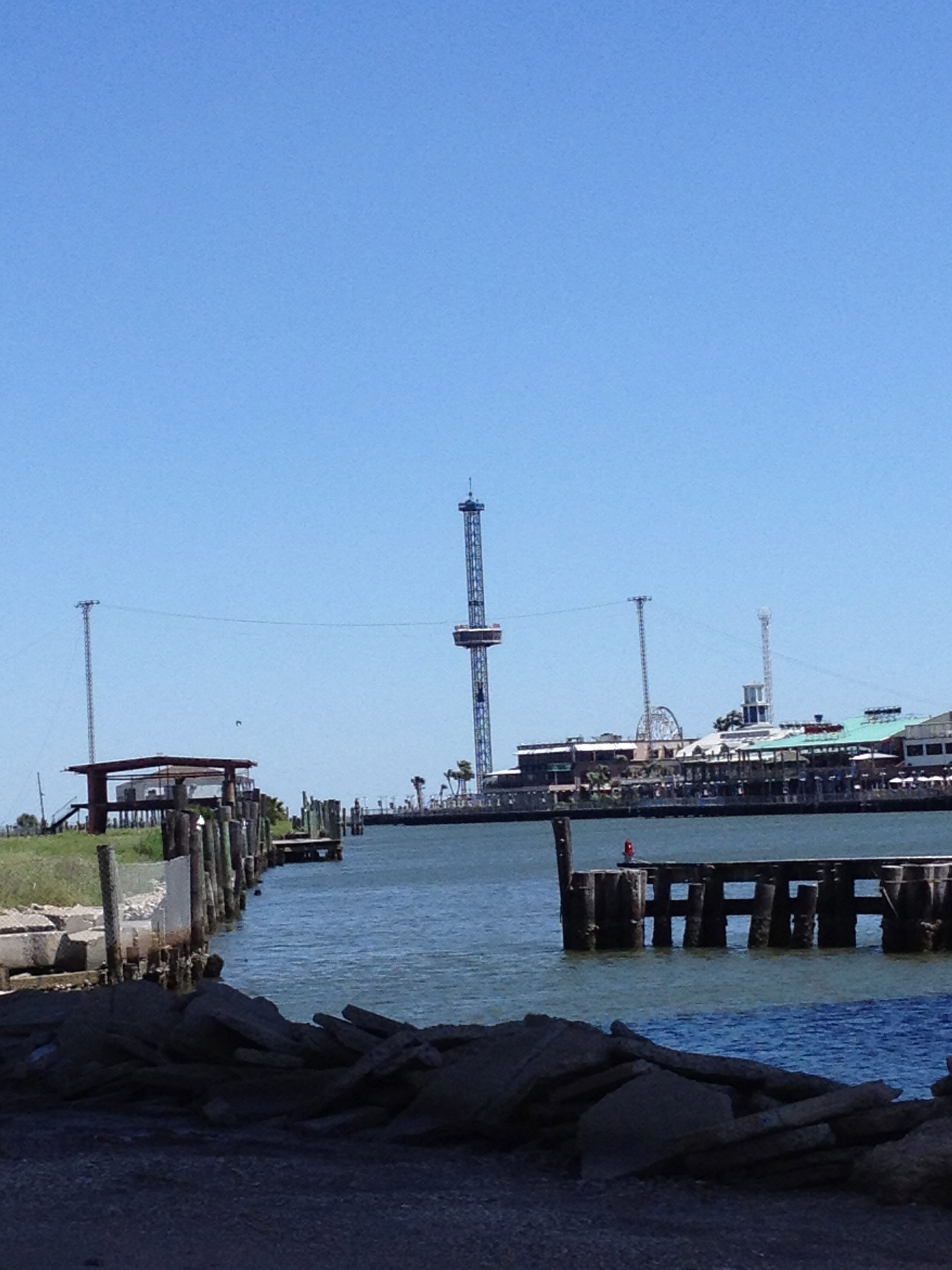 Kemah entertainment district opposite the seabrook point for Kemah fish market