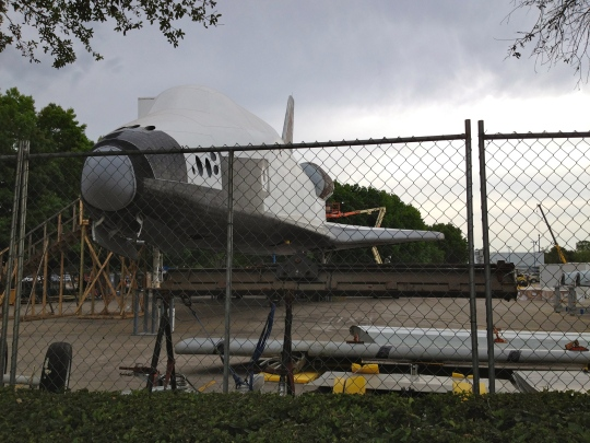 Shuttle replica getting a facelift at JSC/Space Center Houston