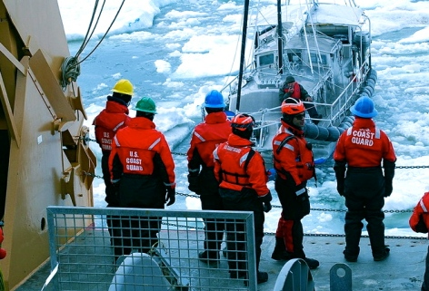 Coast Guard Cutter Healy rescues man on sailboat stuck in Alaskan Ice (flickr.com.photo/coastguardnews/ US PD: by fed employee)