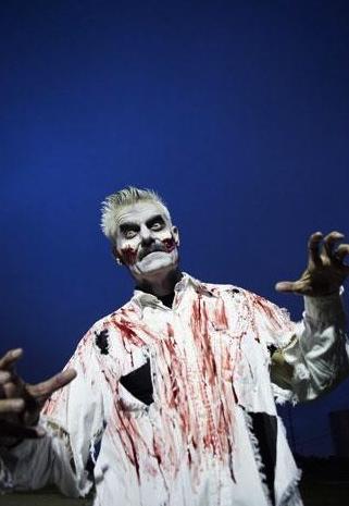 Houston actor turns ghoul for ScreamWorld. (Michael Stravato:HBJ screenshot)