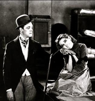 (1920.Mary Pickford pub.still. Suds.United Artists/US PD.pub.date/Commons.wikimedia.org)