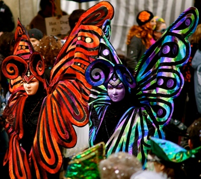 Butterfly costumes. Bernese Carnival 2010. Sandstein/Commons.wikimedia.org)