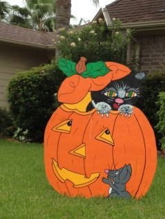 Halloween pumpkin with cat and mouse