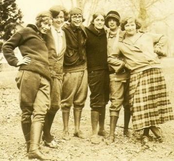 1924 Teenage girls, Minnesota (Ancestors's photo collection/Commons.wikimedia.org)