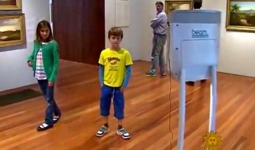 kids chatting with robot in museum (CBS Sunday Morning/Youtube.com)
