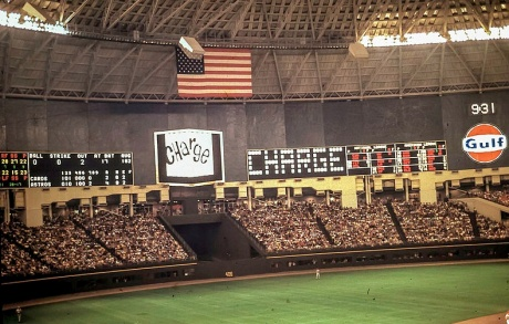 1969. First animated scoreboard Astrodome/Bill Wilson/Flickr/WIKI