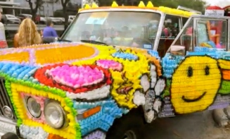 Art Car covered with Peeps. (2015 Houston Art Car Parade/screenshot.KHOU.com)