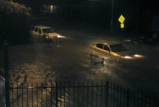 Houston neighborhood street flooding/KHOU.com