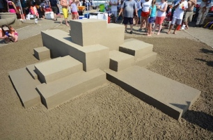Stacked up rectangles. AIA sandcastle contest Site 60. Jackson and Ryan Architects, Inc. (WIlliam Hebel/aiahouston.org screenshot)