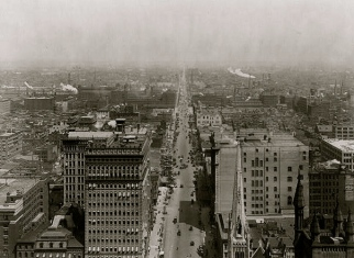 1911. View from Philadelphia's City Hall Tower along N.Broad St./William Rau/LoC/USPD.pub.date/Commons.wkimedia.org)