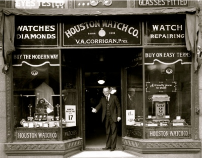 Store front. 1915 Houston.Watch Company, Corrigan's. (screenshot.abc13.com)