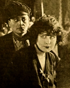 Vintage couple.1919. Elliot and Dalton in the Film L'apache. Motion Picture News/Paramount Pictures/USPD.pub.date/Commons.wikimedia.org)