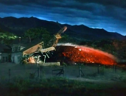 meteor and house.1953 film. War of the Worlds. trailer.Paramount Pictures/USPD: pub.date, no CR/Commons.wikimedia.org)