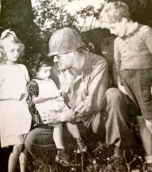 Soldier with three children/ rainbow Div. Vet. Memorial Foundation, inc. 1979