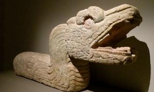 Mayan sepent. (Chatsam:commons.wikimedia.org)