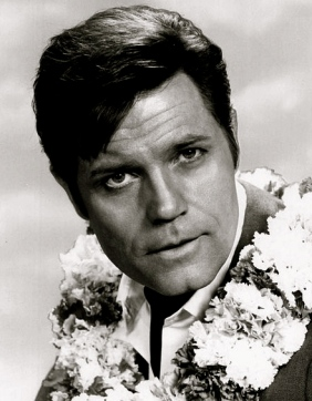 1968. Jack Lord wearing a lei in TV series Hawaii Five-O. (CBS/USPD/Pub.date.no cr marks/Commons.wikimedia.org)