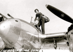 WASP.Ruth Daley climbing into Lockheed P-38 Lightning fighter.1943-4. (US Army Air Forces/USPD/Commons.wikimedia.org)