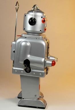 Ha Ha Toy. SIlver Tin Robot. (DJ Shin /Flickr/Commons.wikimedia.org)