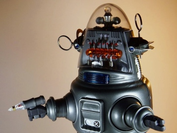 Robby the Robot with blaster. Tin Age Collection. Osaka Tin Toy Institute.(DJ Shin/Commons.wikimedia.org)