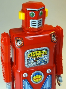 Red Tin Wind Up Mini Machine Man Robot (DJ SHin/Flickr/Commons.wikimedia.org)