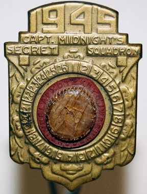1945 radio premium. A Capt. Midnight secret decoder badge (Sobebunny/Commons.wikimedia.org)