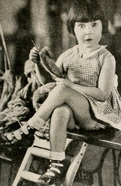 1928 small girl sitting. (Picture Play mag/USPD/Commons.wikimedia.org)