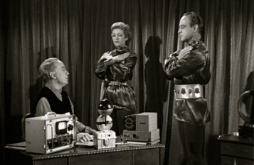 "1959 vintage film scene.""Plan 9 from Outer Space"".(USPD: pub.date, cr not renewed/Commons.wikimedia.org)"