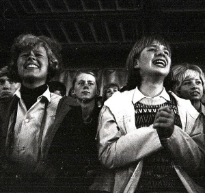 Girls screaming in the audience of a Rolling Stones concert. 1964. Nat. Archives of Norway. FLickr(USPD.pub.date: Commons.wikimedia.org)