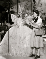 Wizard of Oz (1939) promo photo (USPD. pub. date/Commons.wikimedia.org)