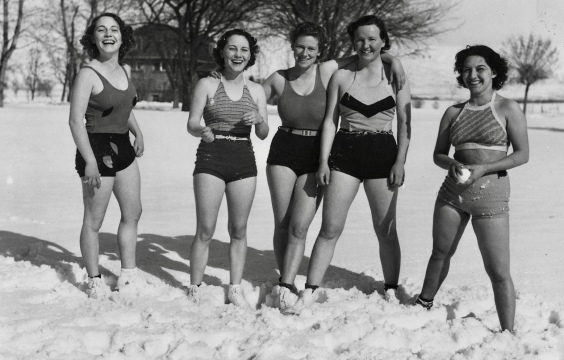Girls in snow in vintage swim suits ( 1936. Idaho NYA Fed. Residence School. (NARA/USPD.by US employee/Commons.wikimedia.org)