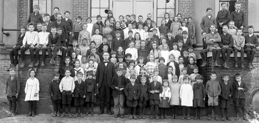 1920 elementary school children. State Archives of North Carolina/Knowles Collection/Flickr (USPD. no cr. pub.date/Commons.wikimedia.org)