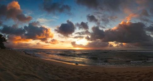 Sunset. North Shore Hawaii (Zach Dischner/Commons.wikimedia.org)