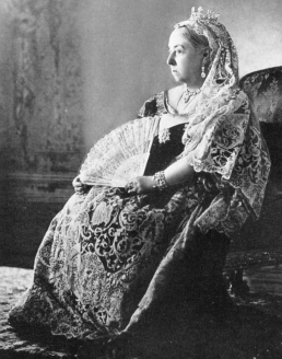 Queen Victoria. the elegant monarch sitting in a chair with a fan. (USPD, pub.date/Commons.wikimedia.org