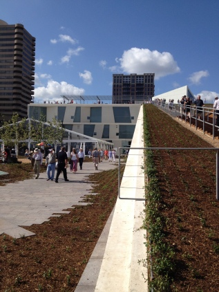 MFAH. architecture. Up the ramp to the roof garden. ( Image. All rights reserved. Copyrighted, No permissions granted)