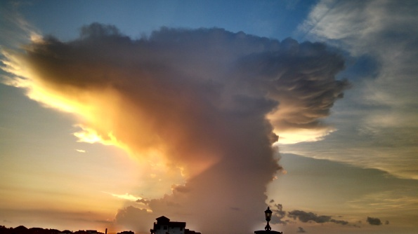 Anvil thunderstorm cloud over Clear Lake, ( Image: all rights reserved, No permissions granted, copyrighted)