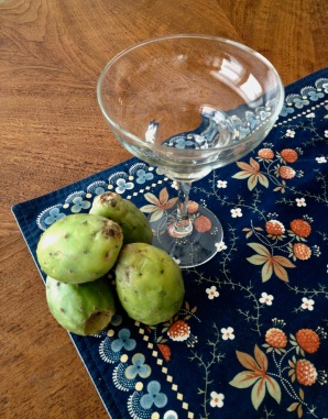 Prickly pear fruit and glass. ( Image: all rights reserved, no permissions granted, copyrighted)