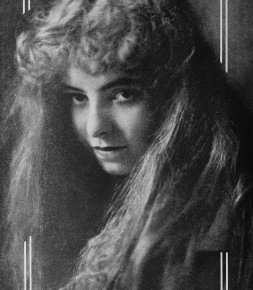 Woman with long flowing hair. 1914. Dorothy Davenport, actress:USPD. pub.date./Commons.wikimedai.org)
