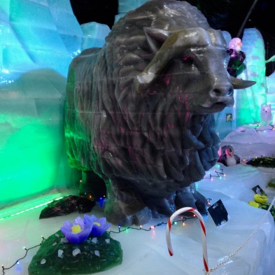 Yak ice sculpture (© image: all rights reserved, copyrighted, no permissions granted )