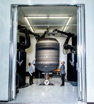 It works! Robot 3D printer Stargate with a prototype propellant tank (Image: Relativity Space)