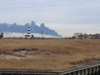 Smoke in sky from tank fire Monday (© image, all rights reserved, no permissions granted)