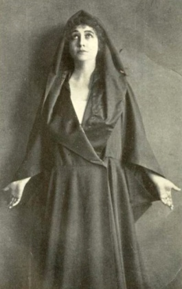 Woman looking up. (1916. play promo. Eternal Magdalene/Sarony/USPD.pub.date, artist life/Commons.wikimedia.org)