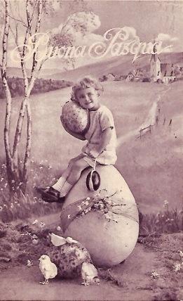 Girl sitting on Easter egg. Vintage Italian post card. 1928 (USPD. Artist life, pub.date/COmmons.wikimedia.org)